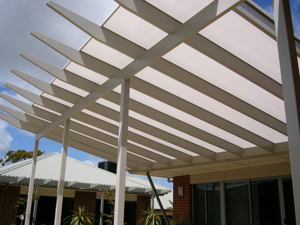 Twinwall Polycarboante installation on Rafter design